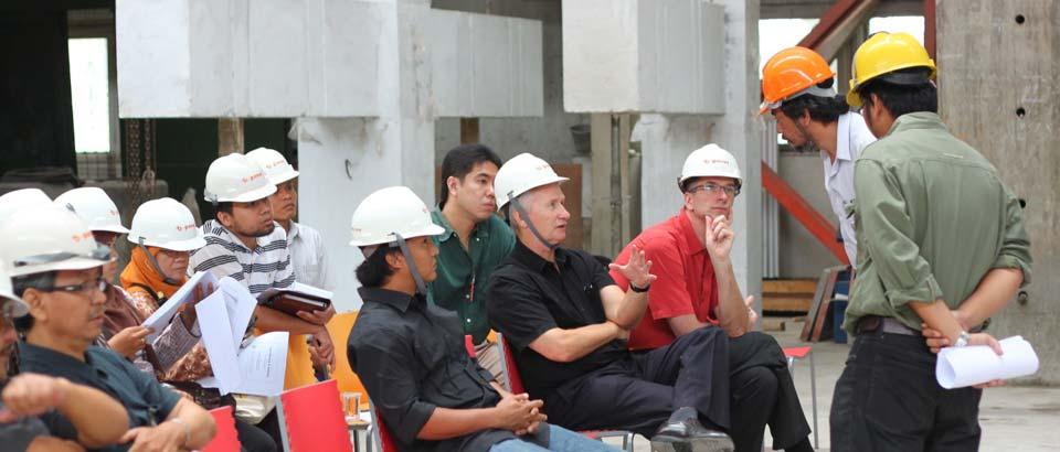 Uji gempa b-panel PUSKIM untuk bangunan gedung anti, tahan gempa dan ramah lingkungan